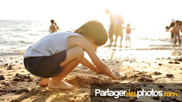 Photos de vacances sur Facebook : peut-on les partager sans risque ?