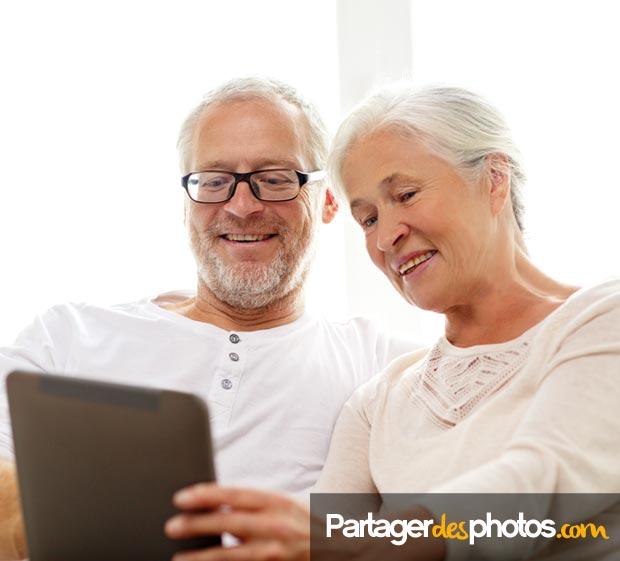 Expat blog : Garder contact à distance avec sa famille éloignée et ses amis est très important lorsqu'on est expatriés, mais il conviendra de bien choisir le site de partage sur lequel on publiera ses photos perso...