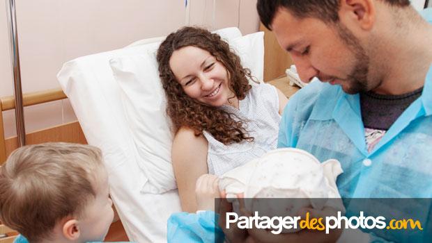 Comment partager la naissance de son bébé avec sa famille