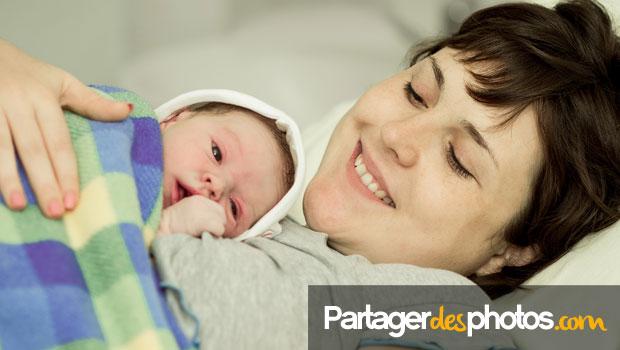 Partager la naissance de son bébé en direct de la maternité