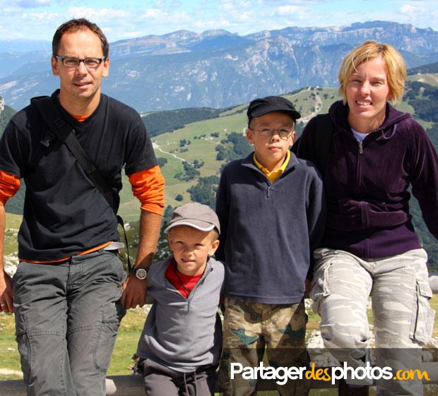 Il y a tellement de magnifiques pays à visiter dans le monde, autant éviter de faire courir des risques à ses enfants.