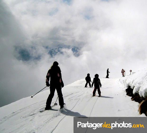 Pour partager des photos d'une classe de neige, mieux vaut éviter d'utilisr ce type de blogs non sécurisés.