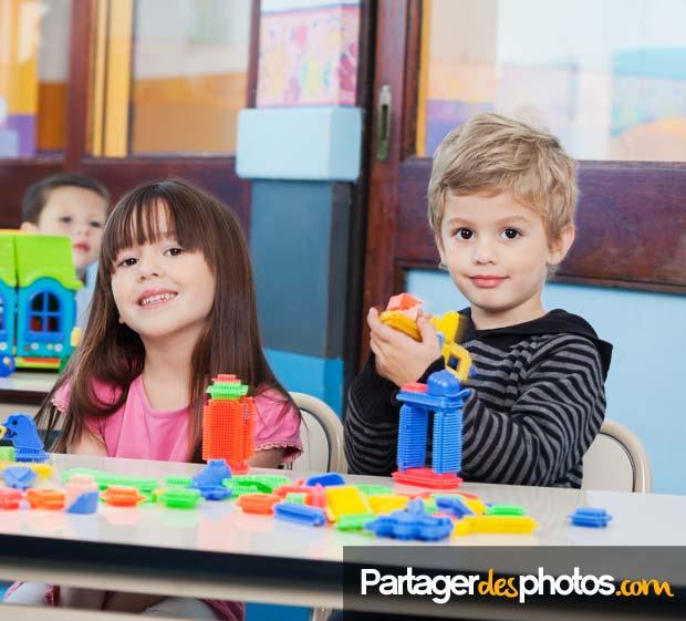 Partager les activités périscolaires des enfants de façon sécurisée avec leur famille : créez un blog périscolaire sécurisé en quelques minutes