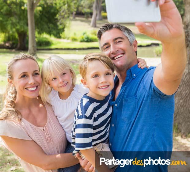 Partagez vos photos et vos vidéos de façon sécurisée : créez votre espace et invitez vos proches