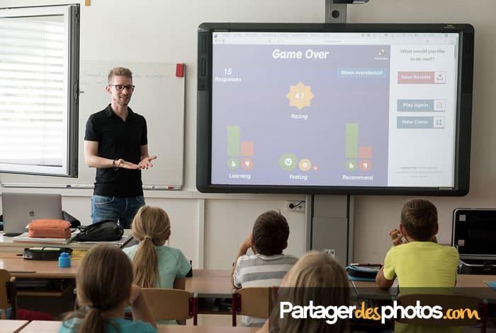 Créez un espace photo scolaire et périscolaire avec mot de passe et partagez des photos et vidéos en toute sécurité