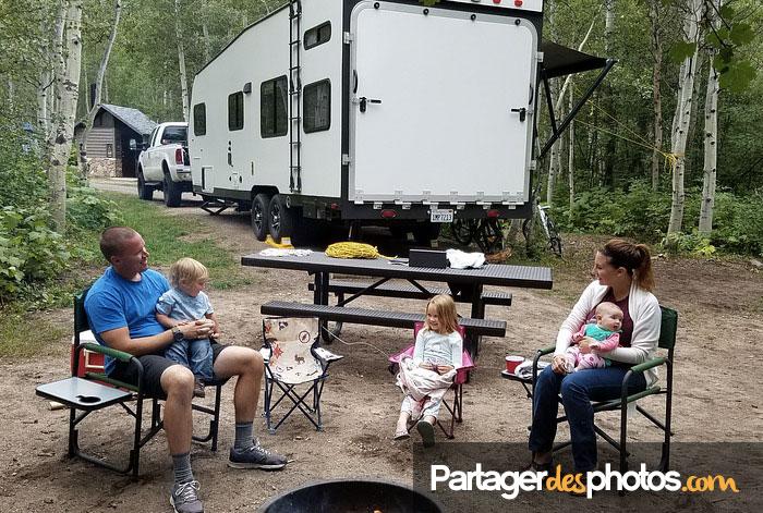 Bon nombre de familles nomades utilisent notre plateforme pour partager leur voyage à distance avec leurs amis et leurs proches.
