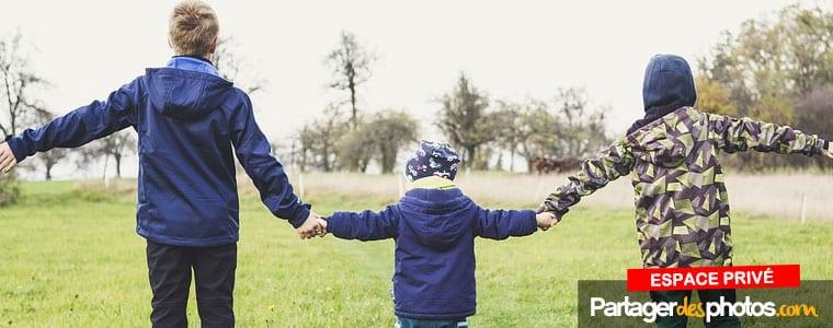Simple à utiliser pour les seniors et les enfants, notre plateforme est destinée à un usage familial privé.